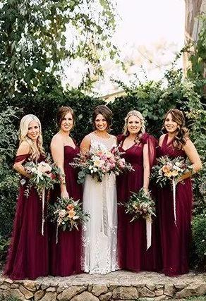 ساقدوش عروس چی باید بپوشه؟